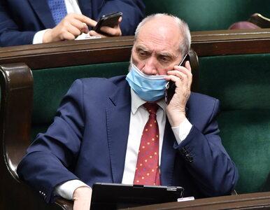 """Macierewicz nie poprze Funduszu Odbudowy? """"Chce się zemścić"""""""