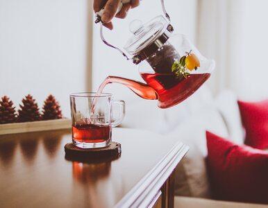 Czy czerwona herbata pomaga schudnąć?