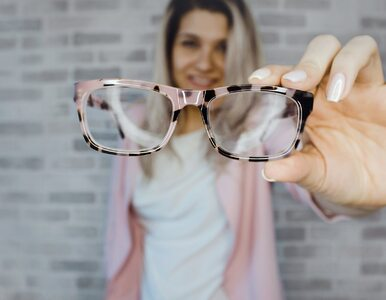 Czy noszenie okularów chroni przed koronawirusem? Oto, co musisz wiedzieć