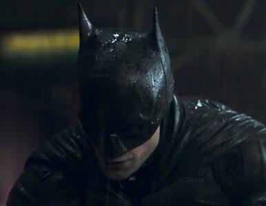 """Mroczny i brutalny zwiastun nowego """"Batmana"""". Robert Pattinson w roli..."""