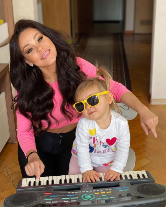 Sylwia Bomba z córką