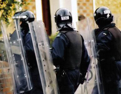 Katolicy i protestanci walczą na ulicach Belfastu. Ranni zostali policjanci