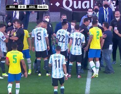 Skandal w starciu Brazylii z Argentyną. Policja na boisku, piłkarze...