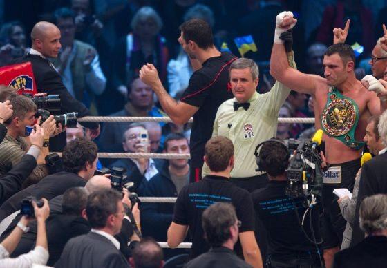 ...ale zwycięzca mógł być tylko jeden... (fot. EPA/Peter Kneffel/PAP)