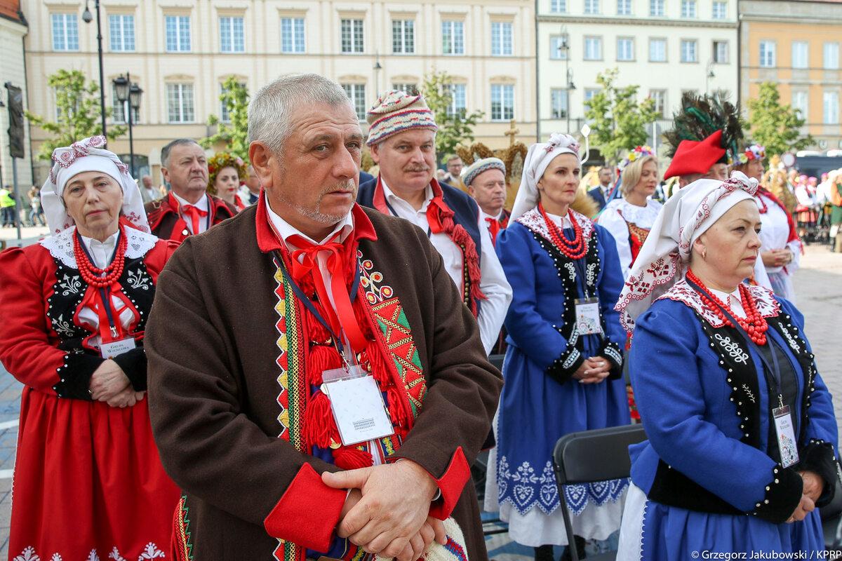 Andrzej Duda z Agatą Dudą na Dożynkach Prezydenckich