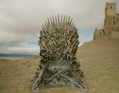 """Twórcy """"Gry o tron"""" rzucili wyzwanie widzom. Zabawa objęła cały świat"""
