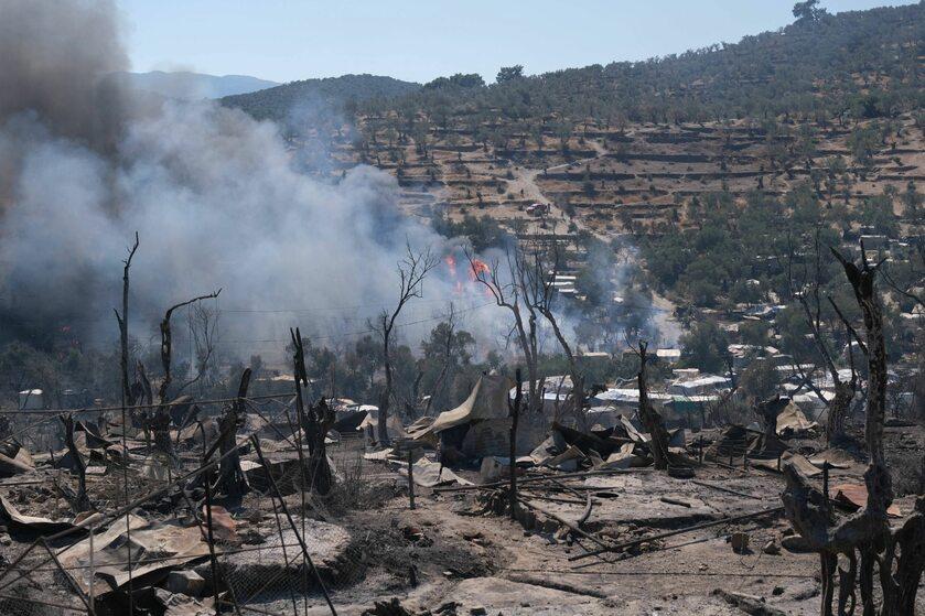 Obóz Moria zniszczony przez pożar