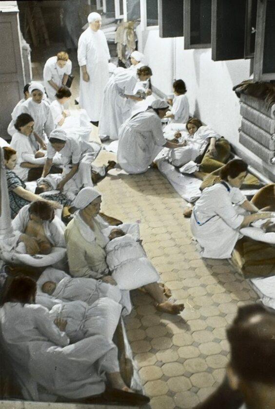 Piwnica szpitala św. Zofii, prowizoryczny oddział położniczy. Nie wszystkie niemowlęta miały szczęście przeżyć do końca miesiąca