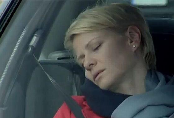 """To bohaterka serialu """"M jak miłość"""", która zmarła w wyniku zderzenia z kartonami. Jak się nazywała?"""