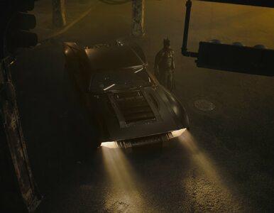 """Twórcy """"Batmana"""" pokazali pierwsze zdjęcia Batmobilu. Wygląda obłędnie"""