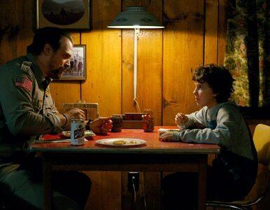 """Hopper ze """"Stranger Things"""": Dorastanie Jedenastki przeraża bardziej niż..."""