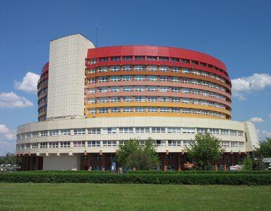 """Szpital w Kaliszu zamknięty z powodu koronawirusa. """"Czekamy na dalsze..."""