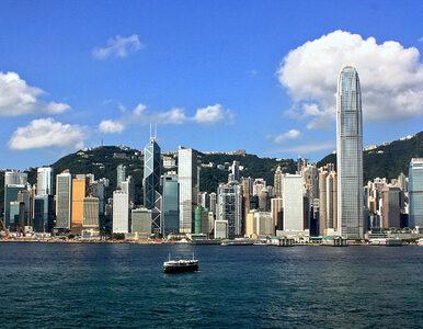 Protestujący w Hongkongu wdarli się do siedziby parlamentu. Policja...