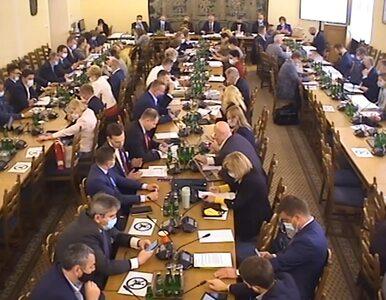 Burzliwe posiedzenie komisji. PiS przegrywa głosowanie, a później......