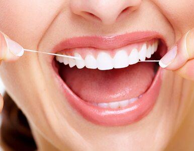 Nitkowanie zębów może mieć dobry wpływ na... mózg! Dlaczego warto...