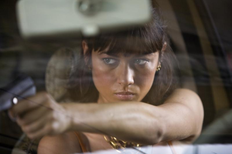 """Olga Kurylenko jako Camille w filmie """"Quantum of Solace"""" (2008)"""