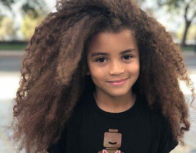 Bujna fryzura przyniosła mu sławę. 7-latek został modelem i gwiazdą...