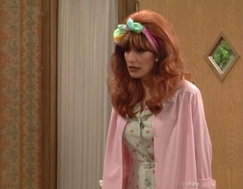 """Katey Sagal jako Peggy Bundy w serialu """"Świat według Bundych"""" (1987)"""