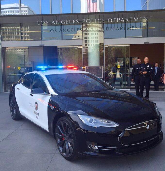 Tesla policji zLos Angeles