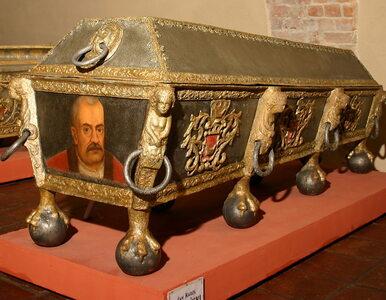 Przepych i ostentacyjnie manifestowane bogactwo. Zwyczaje pogrzebowe...