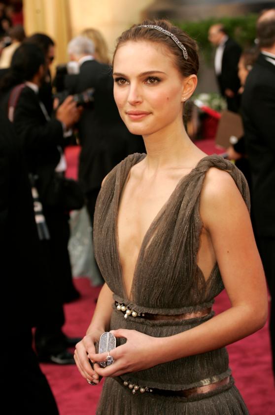 Natalie Portman podczas 77. ceremonii rozdania Oscarów w 2005 roku