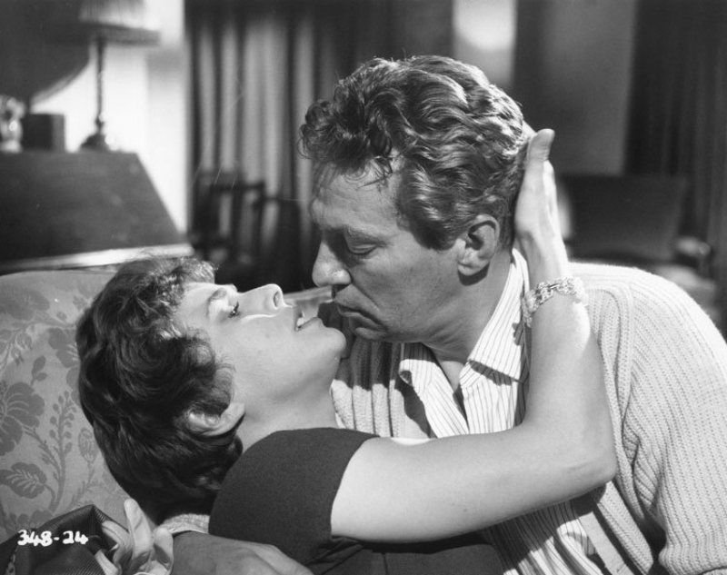 "Peter Finch w filmie ""No Love for Johnnie"" (1961)"