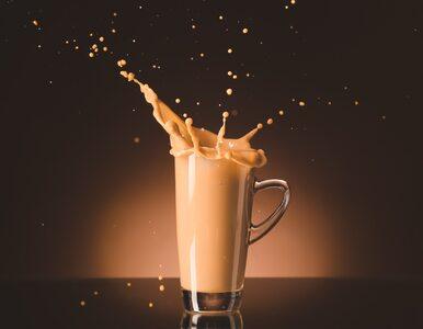 Kawa proteinowa to hit TikToka. Jak zrobić jej zdrowszą wersję bez chemii?