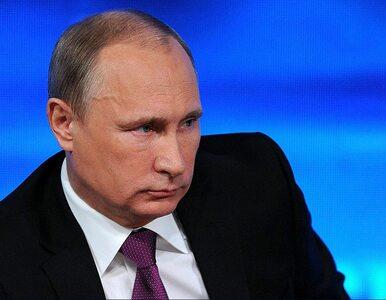 """Obama wyrzuca 35 dyplomatów, Putin """"nie będzie się zniżał"""". Czeka na..."""