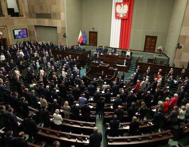 Sondaż. Dobre wieści dla PiS. Partia Kaczyńskiego liderem nawet bez...