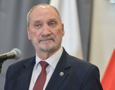 Antoni Macierewicz: Obowiązkowa służba wojskowa powinna zostać...
