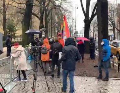 Po wyroku TK protest przed budynkiem, posłom PiS nie udało się...