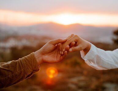 Naukowcy: Wspólne doświadczenia religijne zbliżają pary