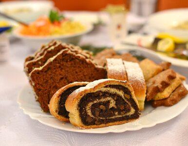Przepis na świąteczny makowiec. Krótka historia pochodzenia ciasta