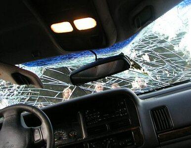 """Śmiertelny wypadek na krajowej """"1"""". Zderzyły się dwa auta"""