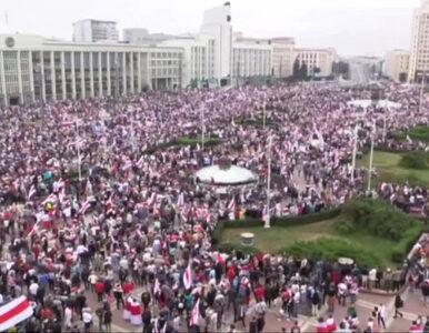 Wielka manifestacja w centrum Mińska. Nawet 250 tys. osób protestuje...