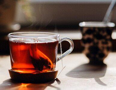 Czarna herbata chroni przed COVID-19? Nowe badania naukowe