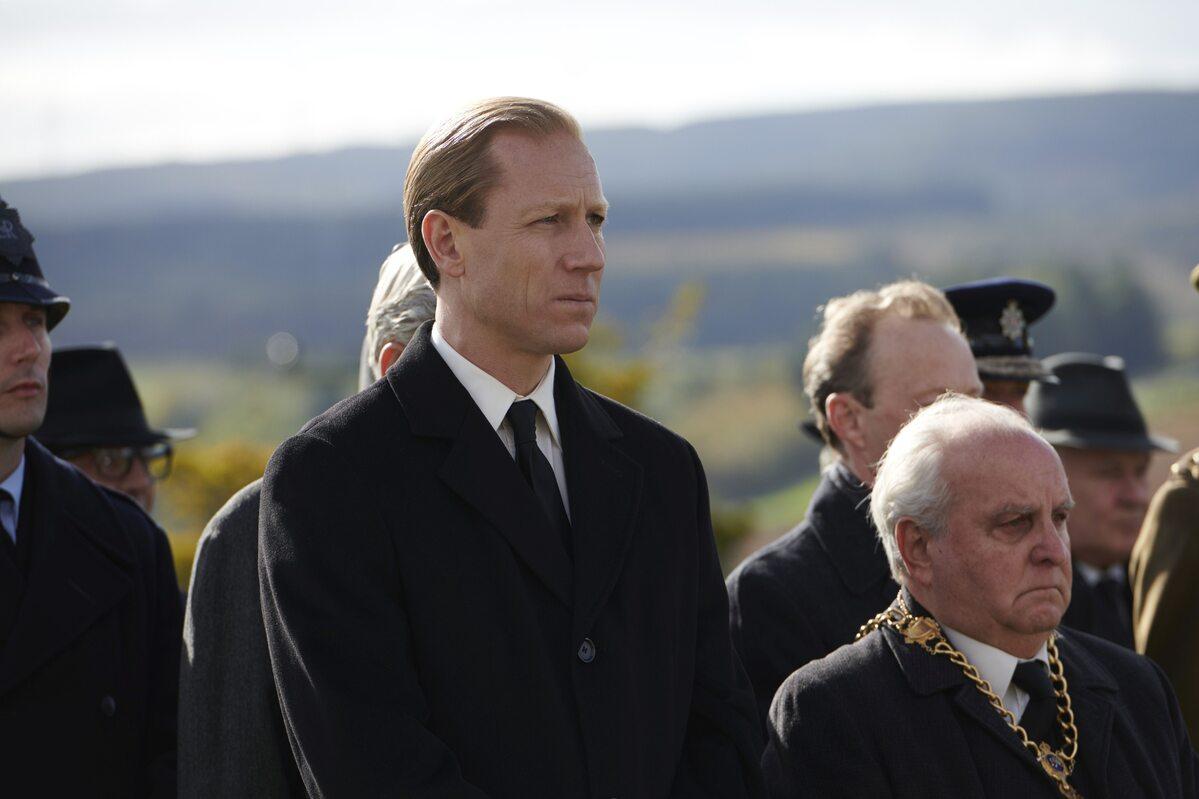 """Tobias Menzies jako książę Filip w """"The Crown"""""""