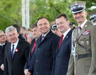 Wpadka podczas wystąpienia Andrzeja Dudy. Z tego żołnierza śmieje się...