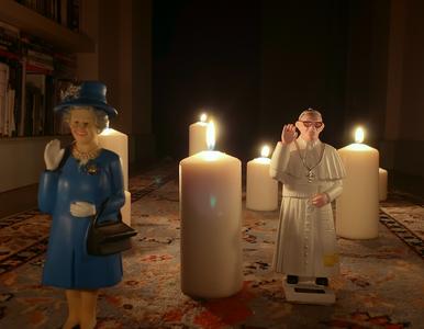 Netflix – co warto obejrzeć? Plastikowe figurki papieża Franciszka i...
