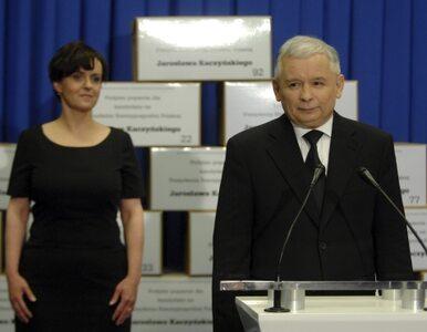 Kaczyński pociągiem, posłowie embraerem do Rzymu