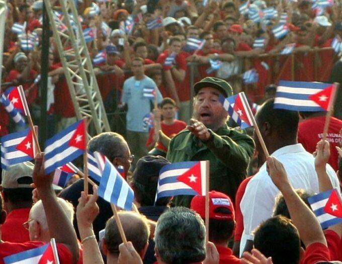 Castro wczasie obchodów pierwszomajowych w2005 roku (fot. Volker Hüttig, o