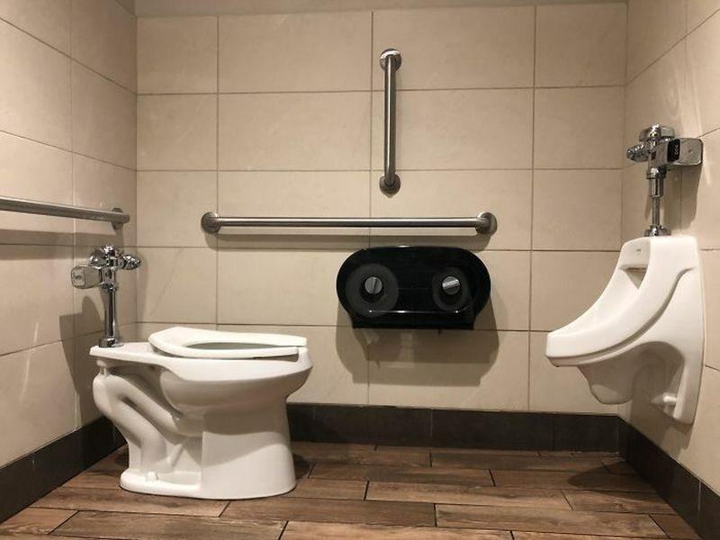 Toaleta dla ludzkiej stonogi