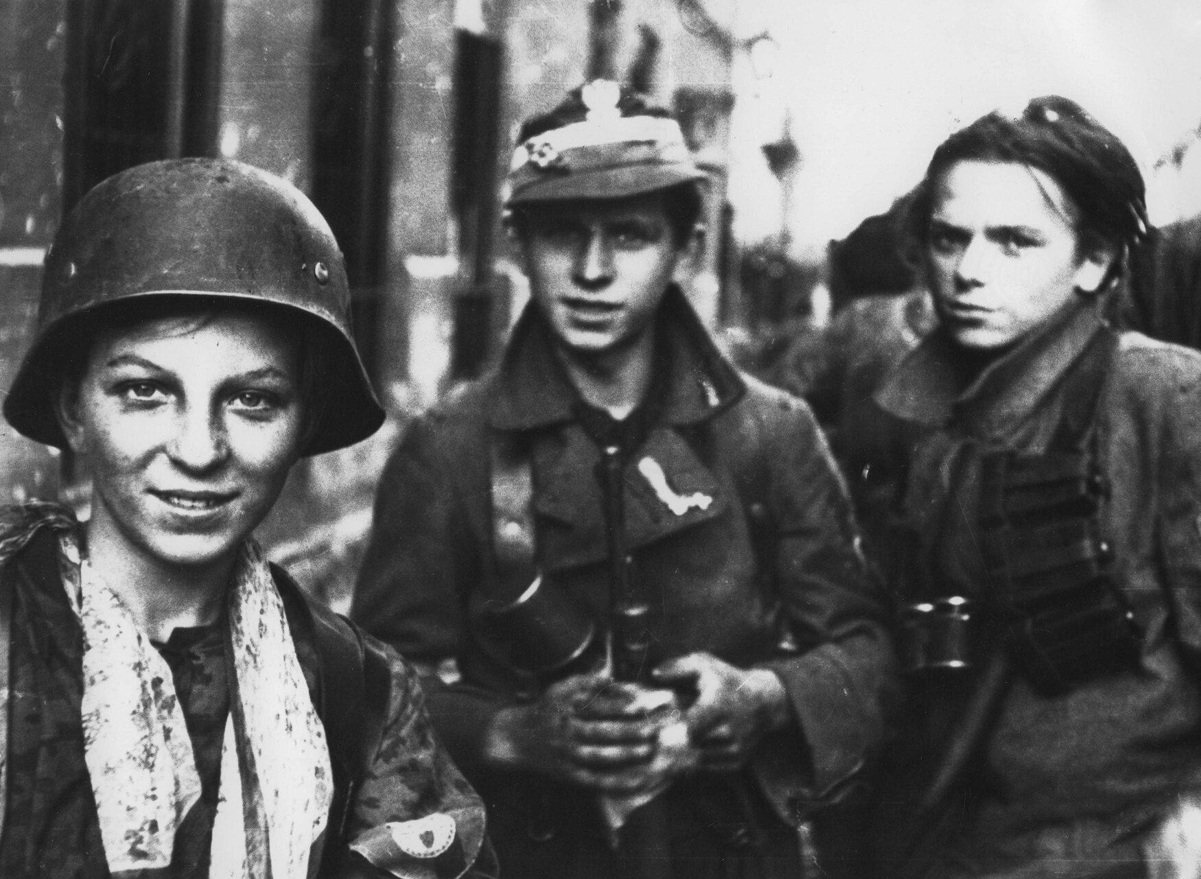 Jak nazywała się operacja zbrojna, w ramach której Armia Krajowa zorganizowała Powstanie Warszawskie?