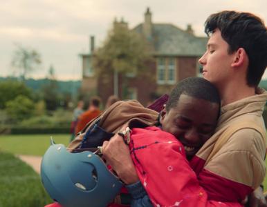 Netflix, HBO GO i Apple TV na wojnie z homofobią. Sprawdź, jakie filmy i...