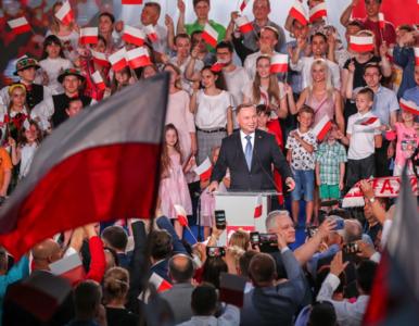 """Andrzej Duda komentuje sondażowe wyniki wyborów. """"Dziękuję za poparcie,..."""