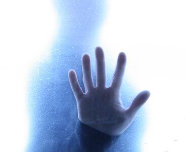 Agresja ukształtowała naszą dłoń?