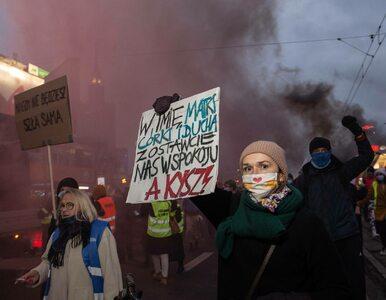 """Protesty w 102. rocznicę praw wyborczych dla kobiet. """"Rondo Praw Kobiet""""..."""