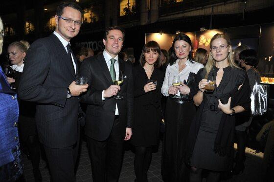 Toast wznieśli (od lewej): Mikołaj Szymborski ( Premium Spirits Marketing Manager) , Dominik Tzimas (Media Point Group) , Anna Borys Karwacka (Rc2), Lidia Kłosowska (Dyrektor Komunikacji) oraz Monika Glimos, Chivas & Super Premium Brand Manager