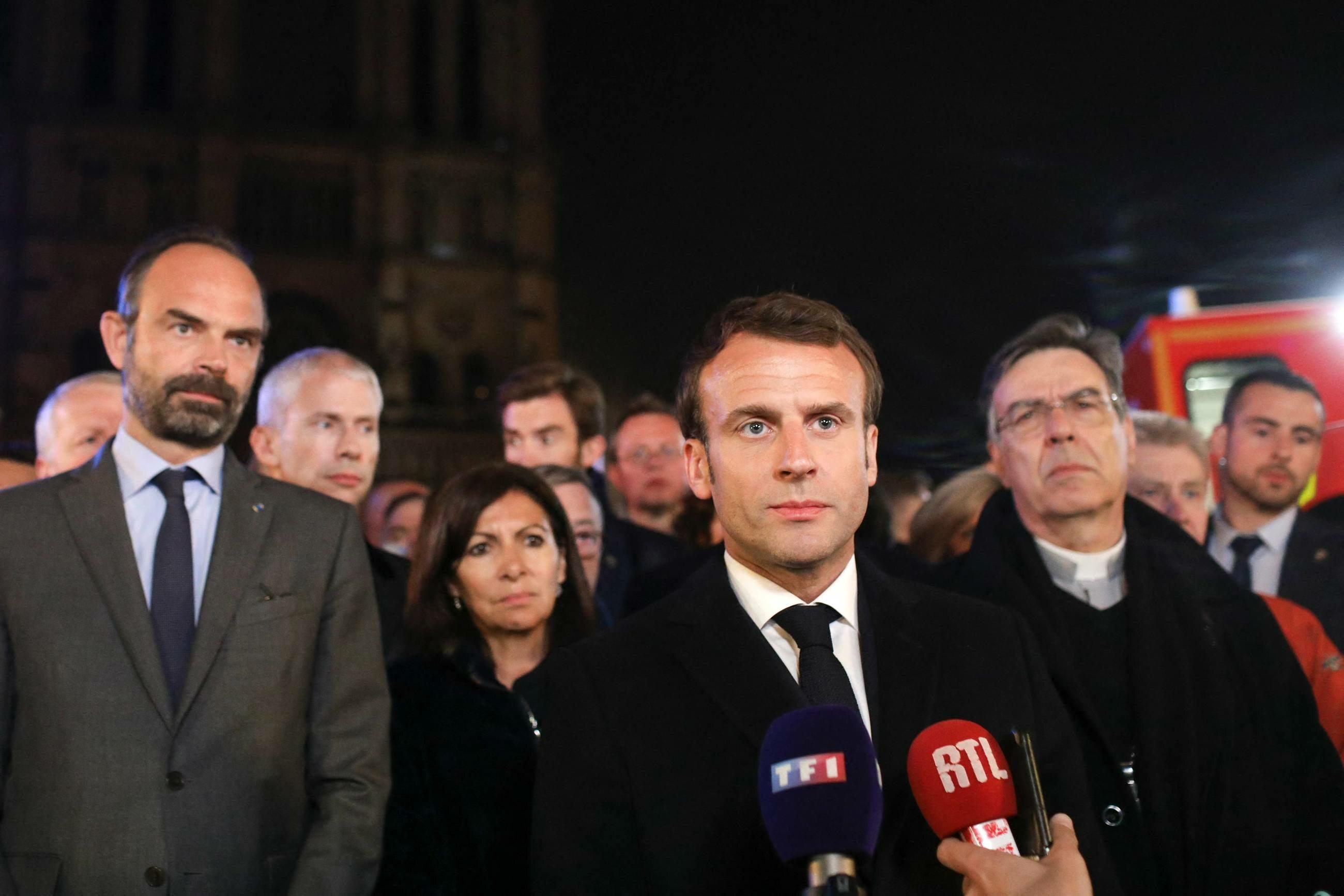 Pożar w katedrze Notre Dame wybuchł w poniedziałek 15 kwietnia około godziny 19. W transmitowanym na żywo orędziu do narodu prezydent Francji Emmanuel Macron zapewnił, że paryska katedra zostanie odbudowana w ciągu…
