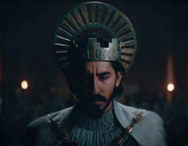 Dev Patel na walczy o swoje miejsce w królestwie. Obiecujący zwiastun...